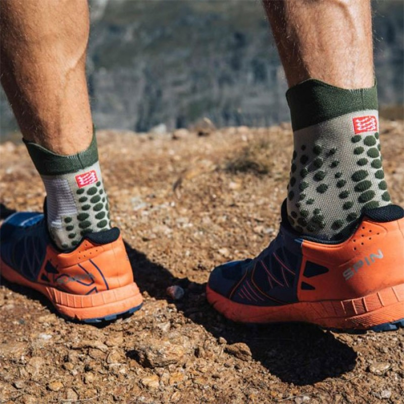 PRO RACING SOCKS V3.0 TRAIL DUSTY OLIVE